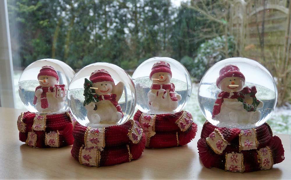Novogodišnja snežna kugla ŠAL